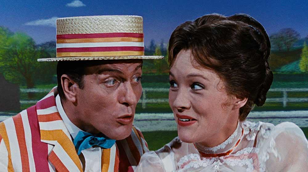 """Dick van Dyke e Julie Andrews em """"Mary Poppins"""" Créditos: Disney"""